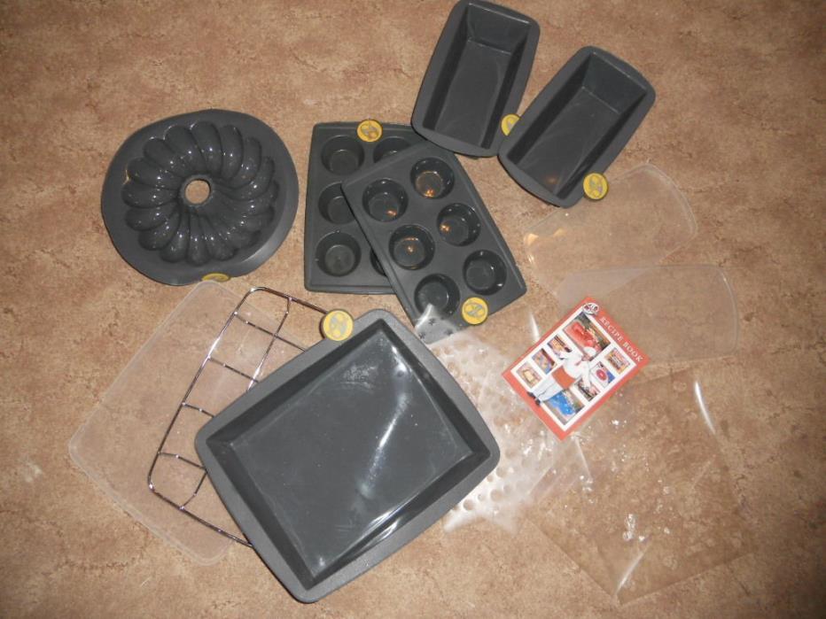Smartware Silicone Bakeware 2 Loaf Pans 2 Muffin Pans 1 Bundt Pan 1 Cake Pan EUC