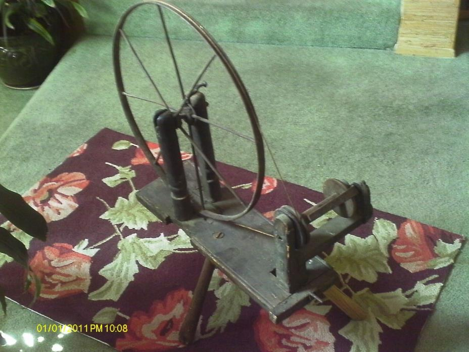 ANTIQUE OLD PRIMITIVE WOODEN / METAL SPINNING WHEEL/ HAND MADE