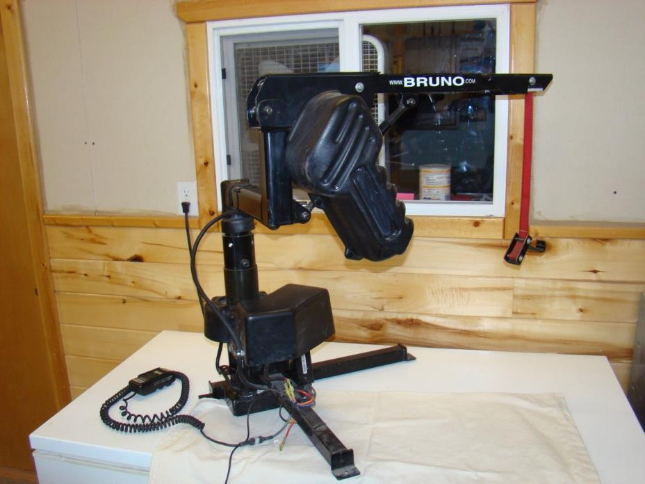 Bruno VSL-670 Electric Mobility Device lift