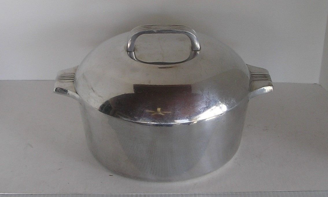 Wagner Ware Sidney Magnalite 4248P Aluminum Round Roaster With Lid & Trivet