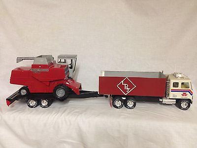 Vintage 1980s 1/20 Massey Ferguson 850 combine custom truck tractor trailer