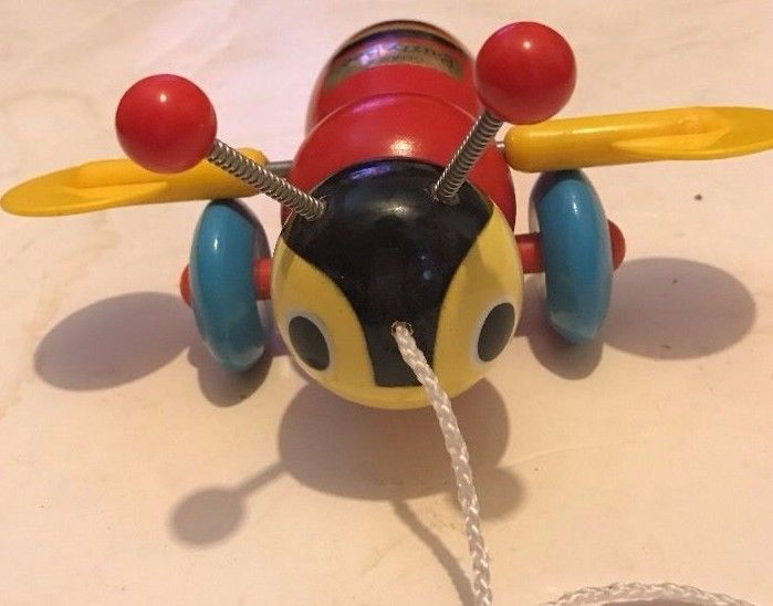 VINTAGE BUZZY BEE BUMBLE BEE WOODEN PULL TOY 6 1/2