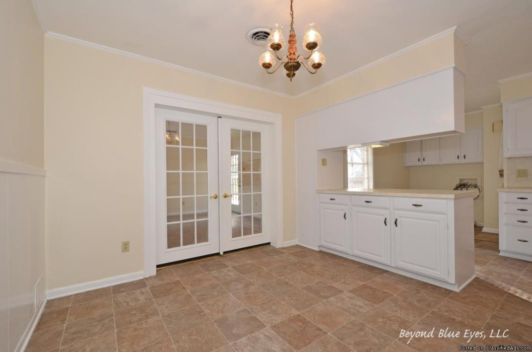 Bossier City LA Home for sale in Greenacres Sub, features over 1500 sq.ft. 2...