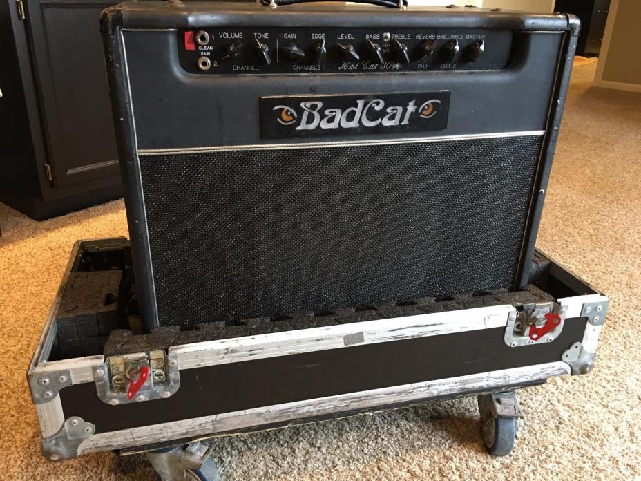 Bad Cat Hot Cat 30R 30 watt Guitar Amp w/ATA rolling case
