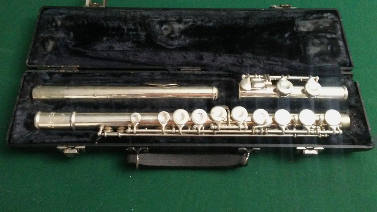 Selmer 1206 Silver Plated Student / Professional Flute w/ Case