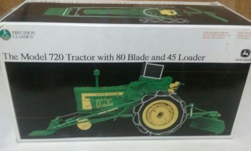 John Deere 1/16 720 Precision Tractor