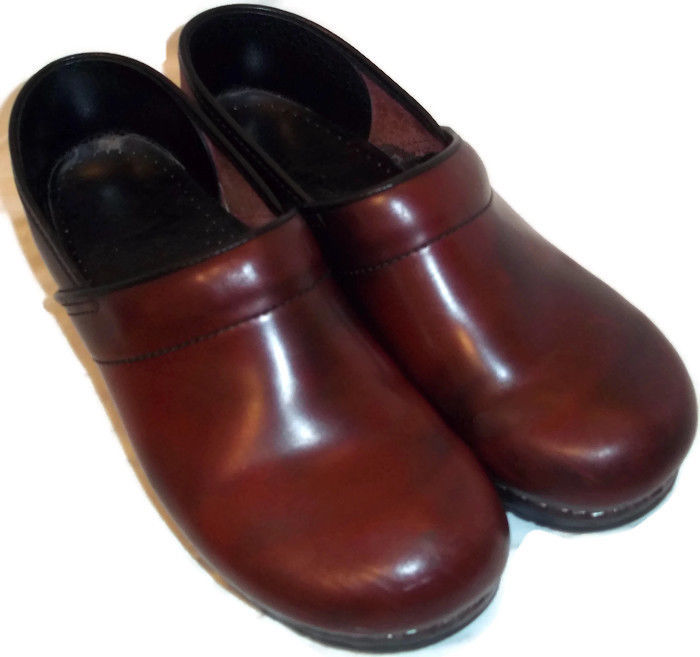Sanita Brown Cabrio Professional Clogs Shoes Womens Sz.42/ 11-11.5 Worn Twice