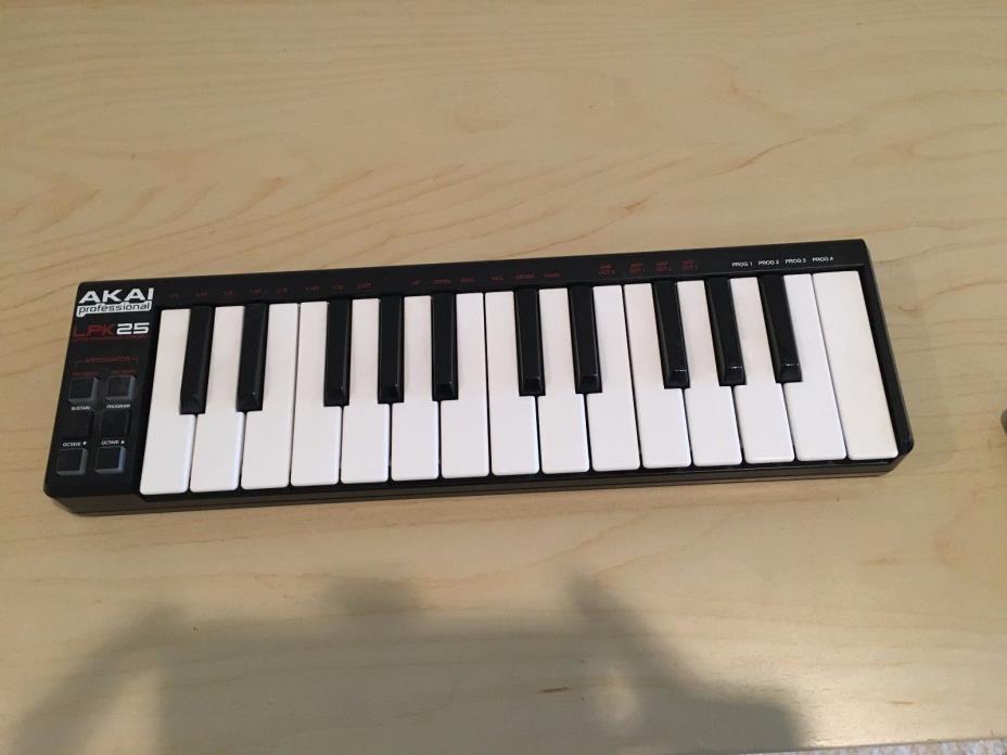 Akai LPK25 MIDI Controller USB