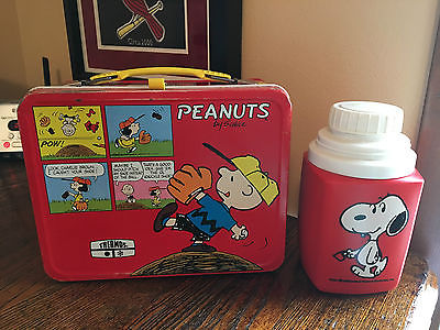 Vintage PEANUTS Charlie Brown Snoopy Metal Lunch Box  w/ THERMOS