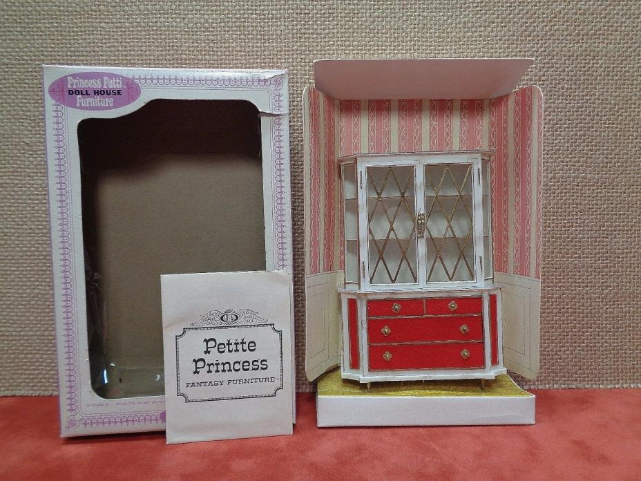 Vintage 1964 Ideal Petite Princess Patti FURNITURE TREASURE TROVE CABINET IN BOX