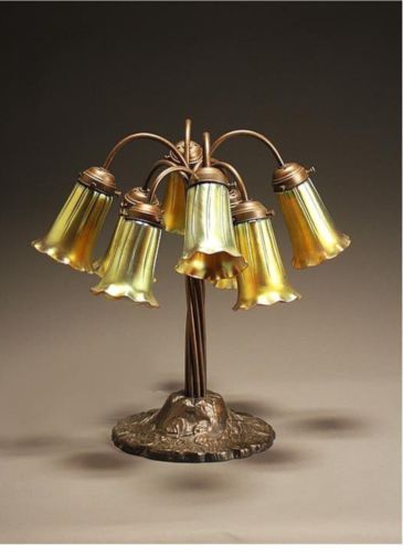 Gorgeous Antique Bronze Tiffany Style. Lily 8 Branch Table Lamp