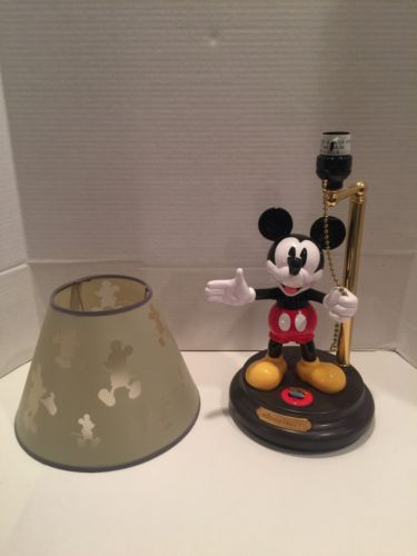 MICKEY MOUSE DISNEY ANIMATED TALKING LAMP
