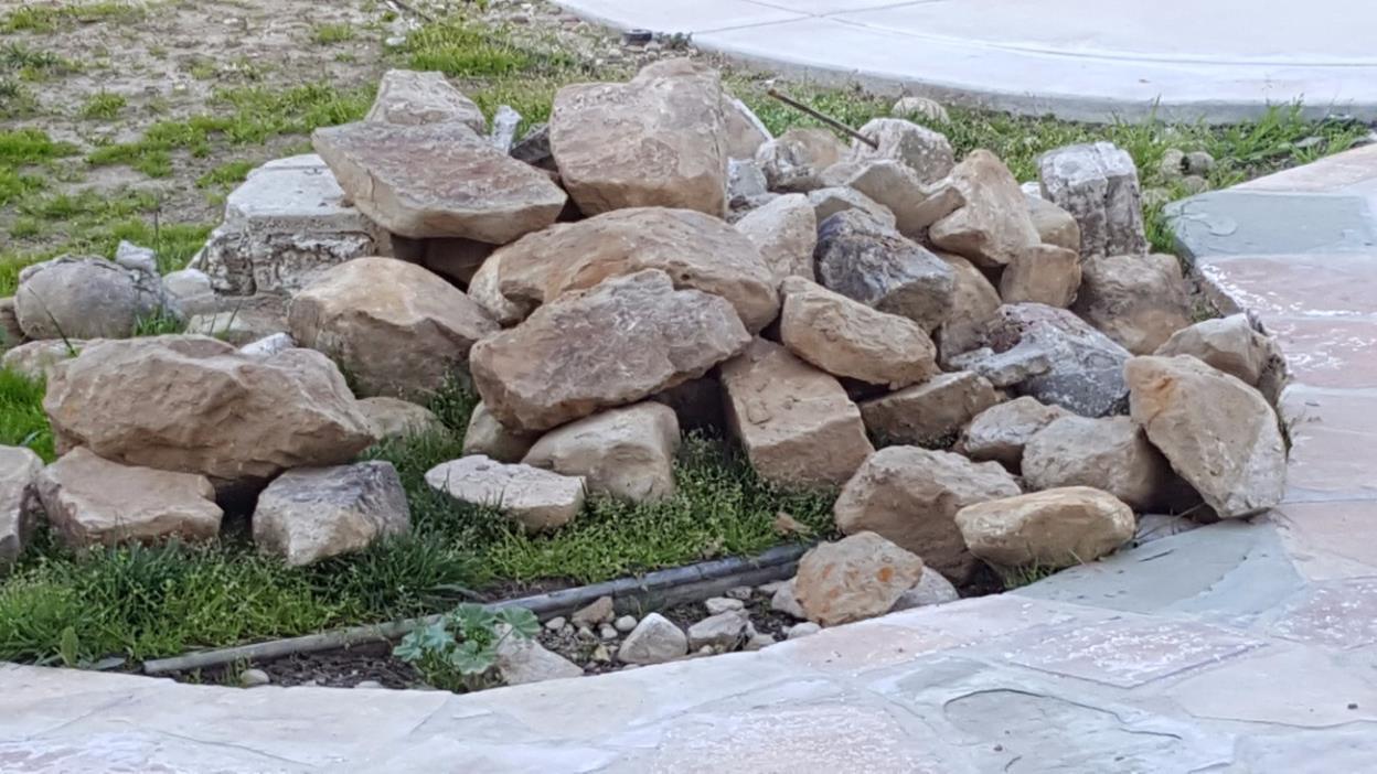 Free stones
