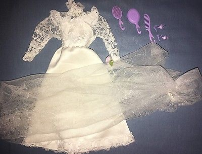 1982 Barbie Tracy Wedding Day #4103 Bridal Dress White Gown Purple Shoes Vail