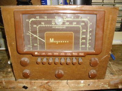 Magnaxox tube amplifier