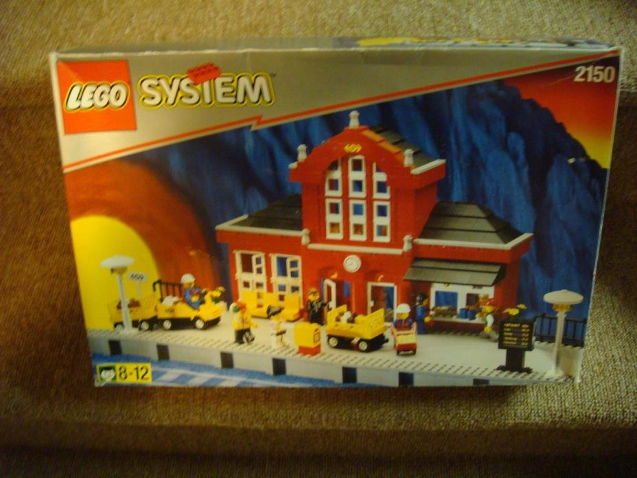 Lego 2150 Train Station *** New & Sealed ***