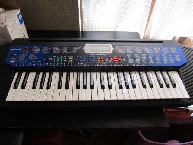 Casio CTK-411 keyboard