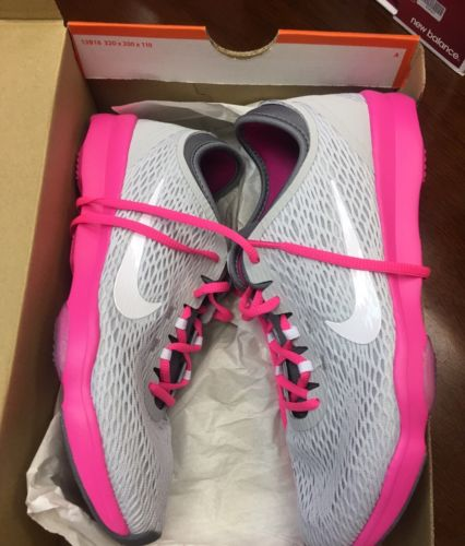 Women's Nikes Shoes Size 8