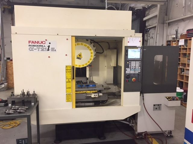 USED FANUC ROBODRILL aT21iEL 2007 TSC Auto 2 Pallet Changer Drill Tap Center VMC