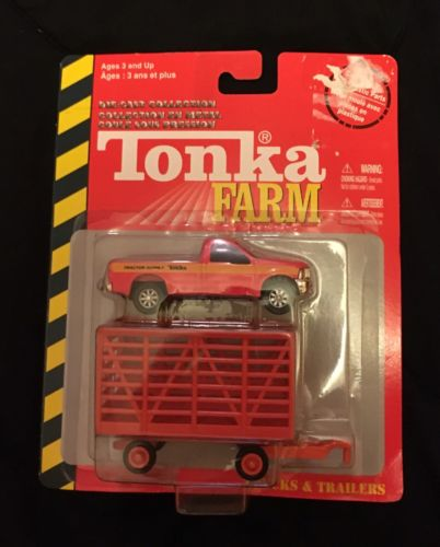 RED TONKA FARM DIE CAST TRUCK AND TRAILER (PLASTIC) NEW IN PACKAGE HASBRO 2004