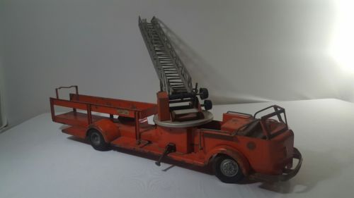 vintage 1950s tonka rossmoyne firetruck with ariel ladder
