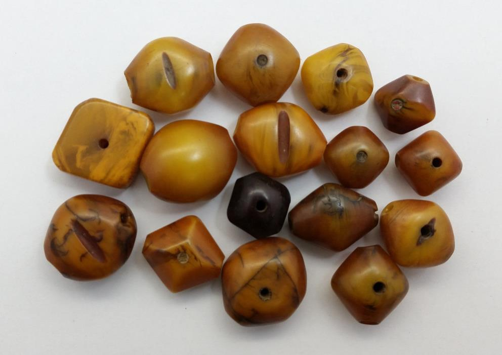 Vintage SMALL-MED Moroccan/Mauritanian/African Diamond Shaped Manmade Amber Bead