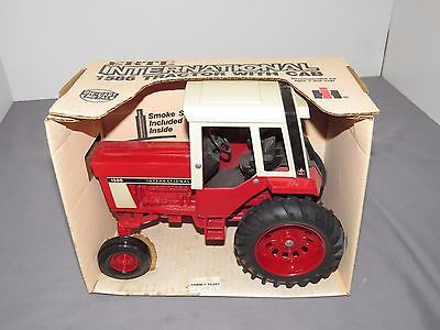 IH International 1586 Tractor with Cab Ertl Die-Cast Metal 1/16 Scale NIB