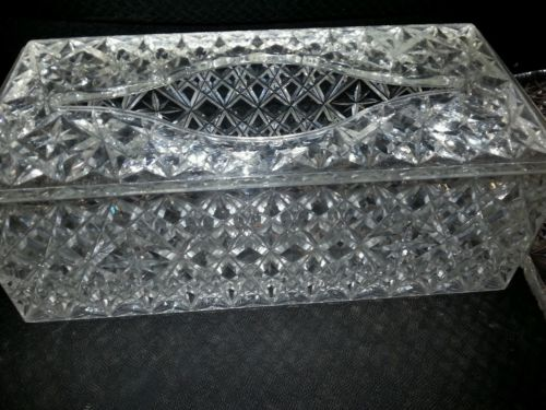 2 piece Vintage/mid centry clear plastic tissue holder and tray