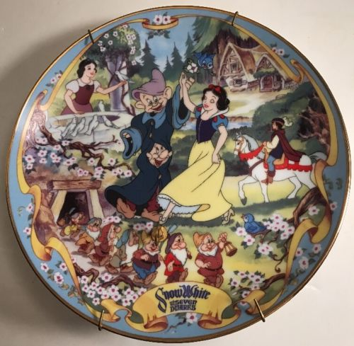 Walt Disney Bradford Exchange Snow White The Fairest One of All Musical Plate