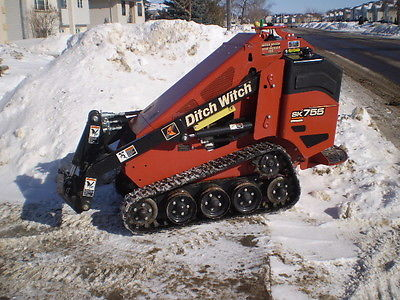 2015 Ditch Witch SK755 Mini Skid Steer... Only 2,000 Hours