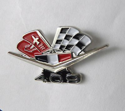 CHEVY 409 ENGINE CHEVROLET FLAGS CLASSIC AUTOMOBILE CAR EMBLEM PIN 3/4 inch