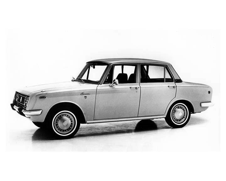 1970 Toyota Corona Sports Sedan ORIGINAL Factory Photo oub2259