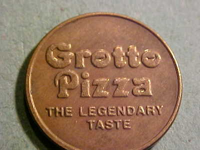 23 MM BRASS GROTTO PIZZA TOKEN THE LEGENDARY TASTE L# 2
