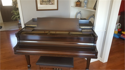 Winton Chicago Piano