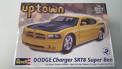 Revell 85-4225 1/25 Dodge Charger SRT8 Super Bee Kit
