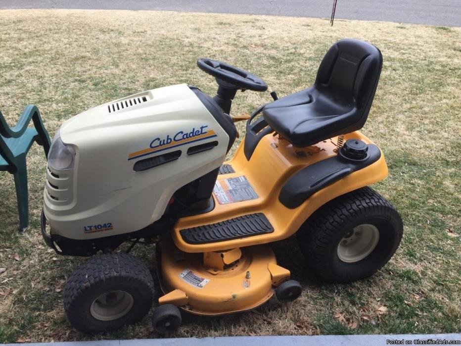 huskee riding lawn mower for sale classifieds. Black Bedroom Furniture Sets. Home Design Ideas