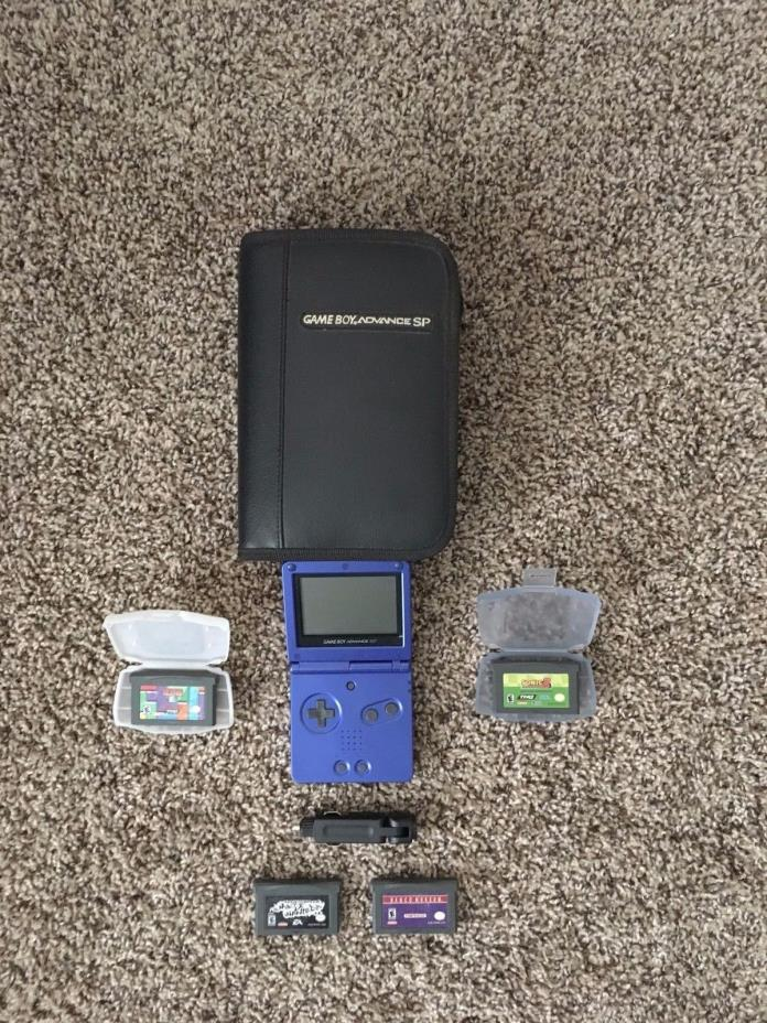 Nintendo Game Boy Advance SP Cobalt Blue System Console Lot Bundle Games Extras