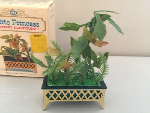 IDEAL PETITE PRINCESS LINE 1964 Doll Furniture SALON PLANTER