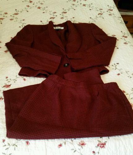 Gloria Vanderbilt Womans ladies Skirt Suit Size 10