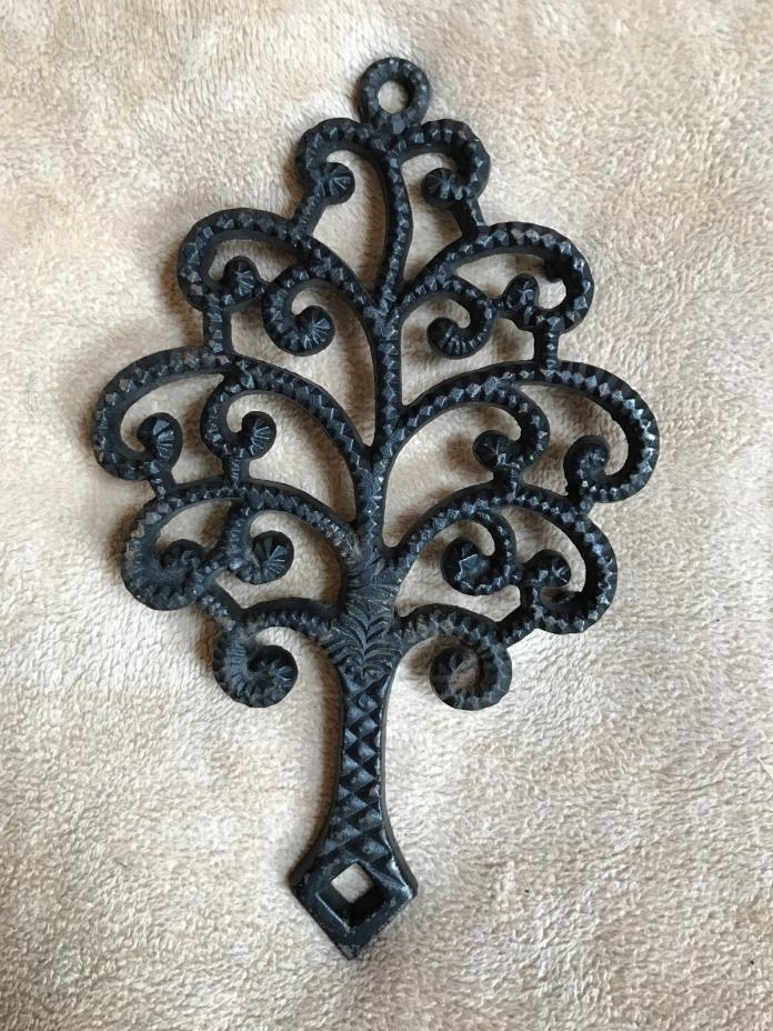 Vtg~VM~9-7~Cast Iron~Trivet~Family Tree~Hot Plate~Iron Art~4 Legs~Decor~USA~Rare