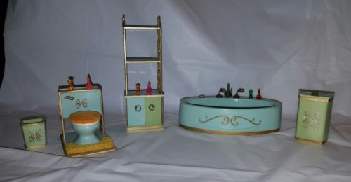 Ideal Petite Princess dollhouse Swan bathroom set