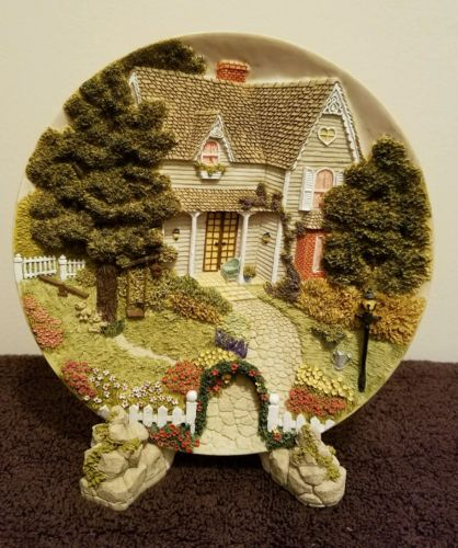 Country house dimensional themed plate w/stand, English cottage, gardens, stone