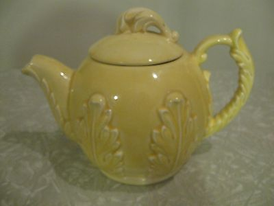 Red Wing Yellow Teapot #259