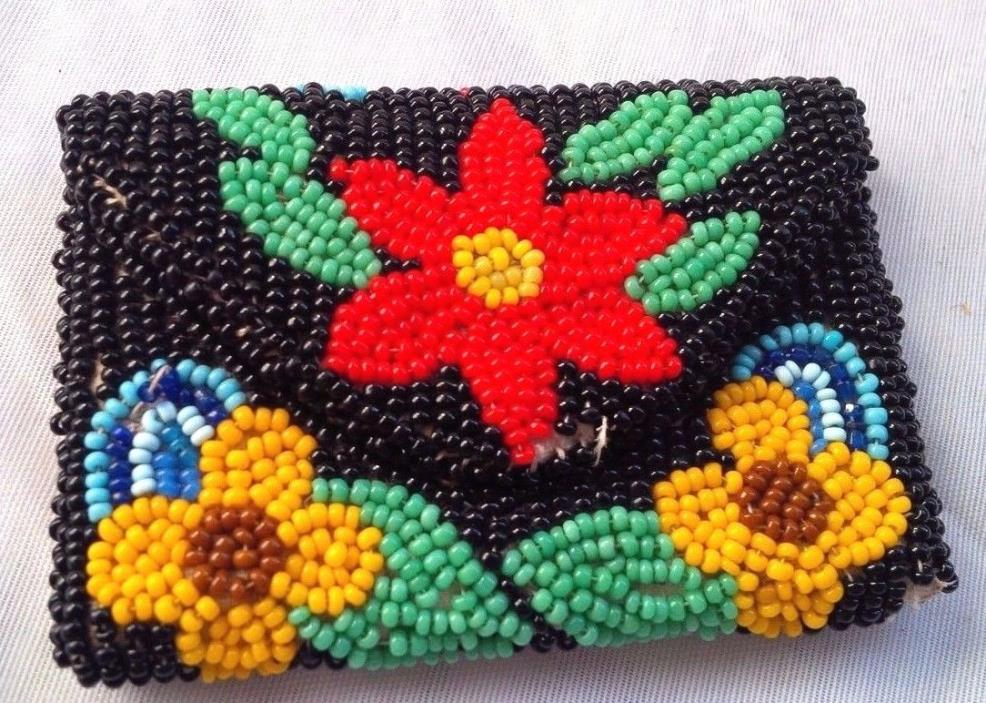 Old Great Lake Indians Chippewa Seed Beads Beaded Floral Button Coin Purse