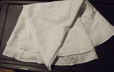 MAINSTAYS ROUND WHITE TABLE CLOTH TABLE COVERING WEDDING PROM 70 INCH