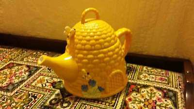 Yellow butterfly / bee teapot NEW