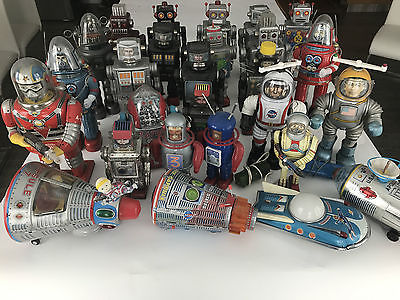Antique Tin  Robots Japan and Others 28 pcs very rare Collection with Boxes