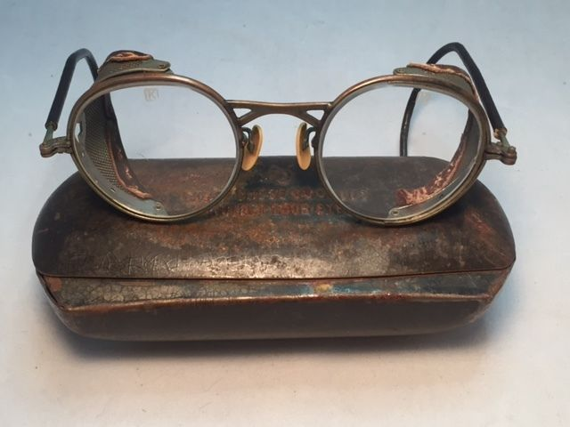 ANTIQUE AMERICAN OPTICAL GOGGLES GLASSES AVIATOR MOTORCYCLE W METAL CASE