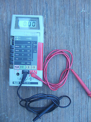FLUKE 8020B ( 8020 B )  DIGITAL  MULTIMETER  AND PROBES