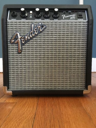 Electric Guitar Amplifier With Cable